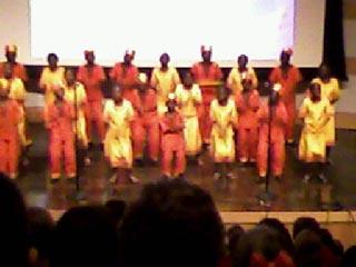 ケニアの子ども達の合唱&ダンス