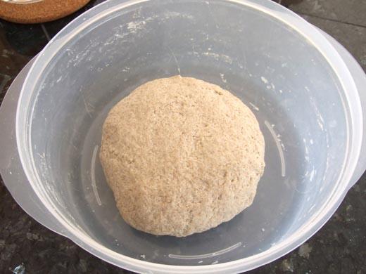 ライ麦パン:今から一次発酵。