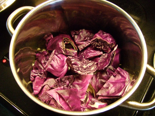 重ね煮・その2:今回は紫キャベツで。