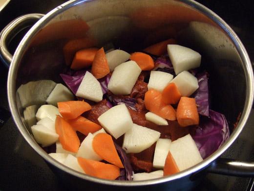 重ね煮・その3:根菜もいれます