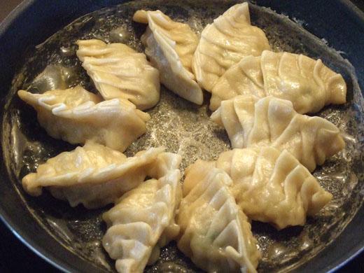 手作り餃子:どんどん蒸発していきます。