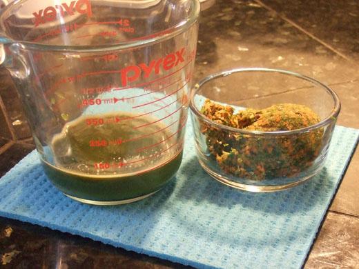 豆乳野菜ジュース:しぼったジュースとしぼりかす。